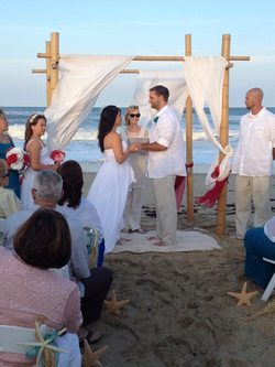 Outer-Banks-Wedding-Minister-Jessica-Greg