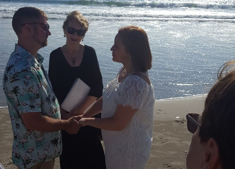 Kendra-Ron-Barbara-Mulford-OBX-Officiant