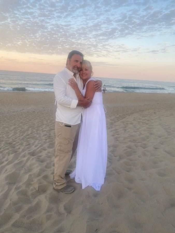 Vickie-Rob-OBX-Wedding2021